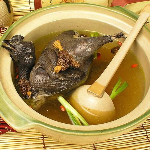 羊肚菌炖乌鸡
