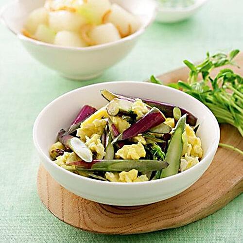 鸡蛋炒红菜苔