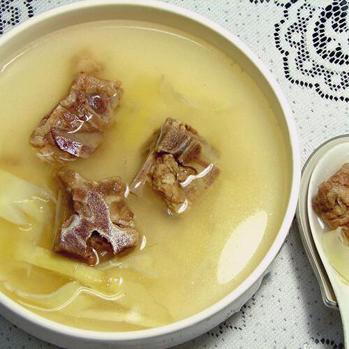 排骨鲜笋黄花养生汤