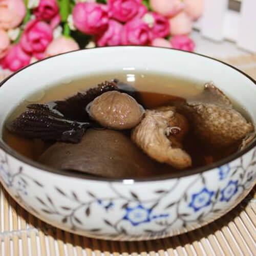 膨鱼腮菜干瘦肉汤