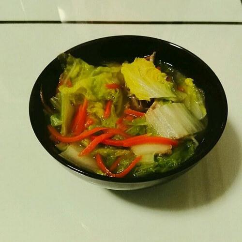鸭架炖蔬菜