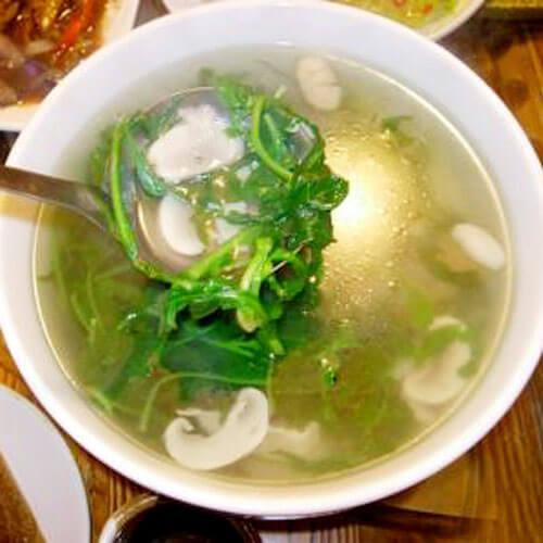 红根菠菜荠菜磨菇汤