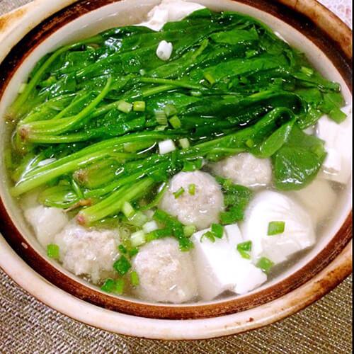 海鲜丸子菠菜汤