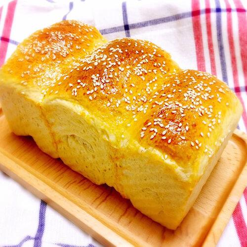 面包机版羊奶蜂蜜吐司