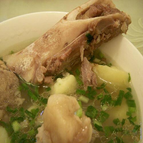 棒骨蔬菜汤
