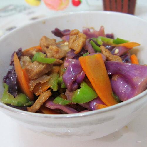 紫包菜炒脊肉