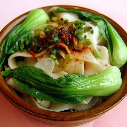 青菜牛肉煮饺子皮