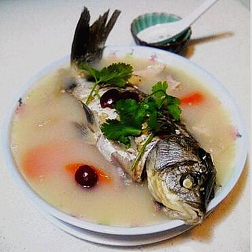 黄芪鲫鱼汤