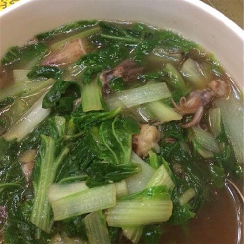 黑鱼炖小白菜