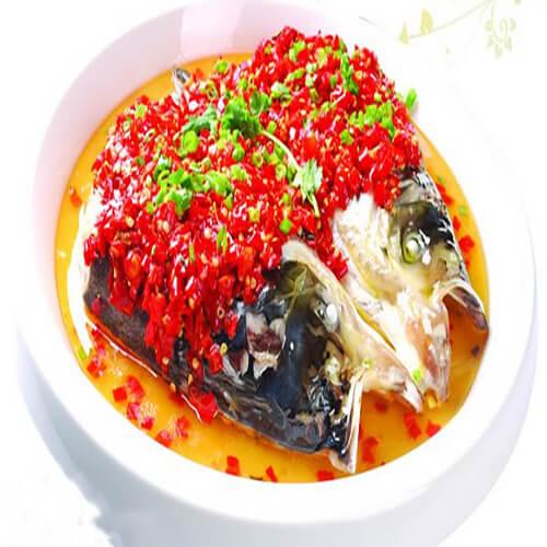 雪菜辣椒蒸鱼头