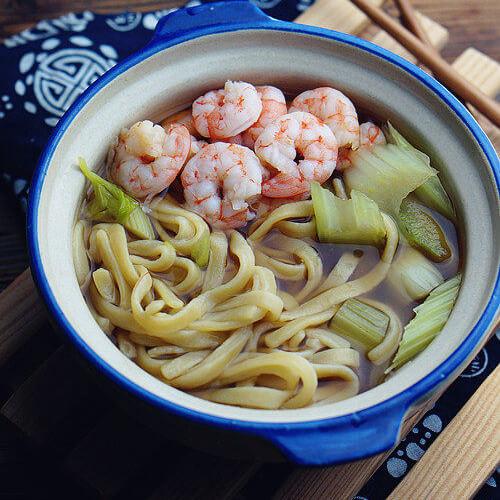 虾仁芹菜汤面