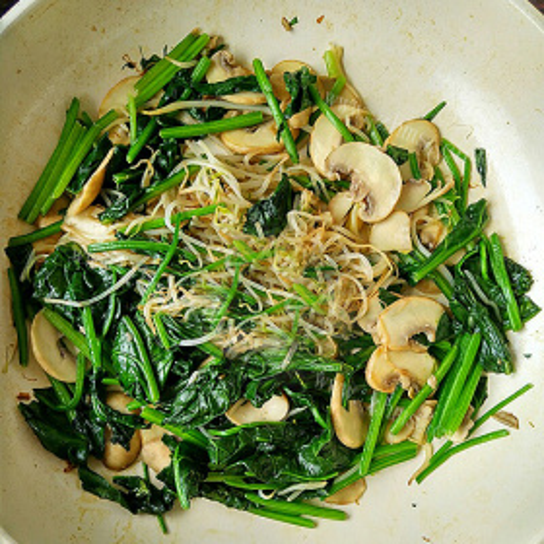 菠菜炒平菇