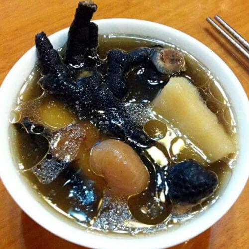 灵芝红枣桂圆乌鸡汤