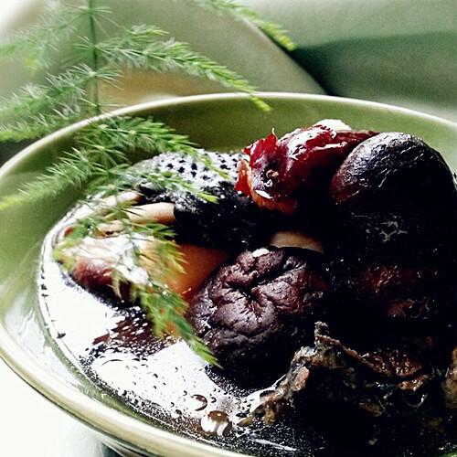 红枣香菇乌鸡汤