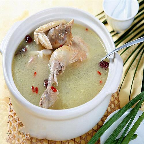 竹丝鸡猪骨汤