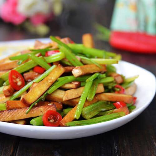 素菜:椒油香干山芹