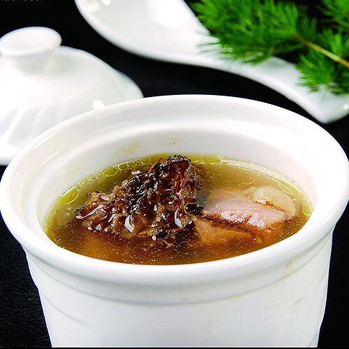 鱼翅羊肚菌鸡汤
