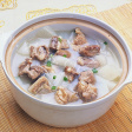 白萝卜鱿鱼排骨汤