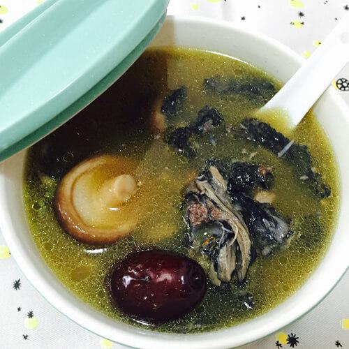 香菇雪耳乌鸡汤
