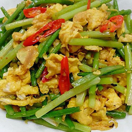 蒜苔辣椒炒鸡蛋