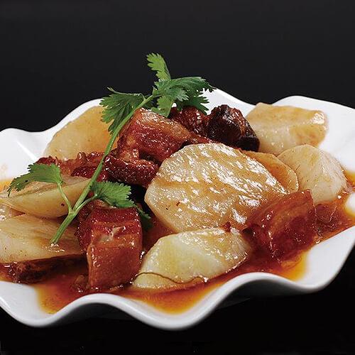 五花肉炒水萝卜
