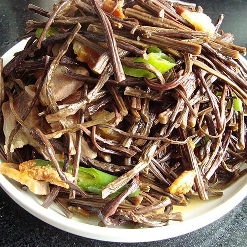 猪脊骨炖干蕨菜