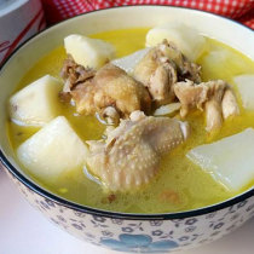 土鸡煨萝卜汤