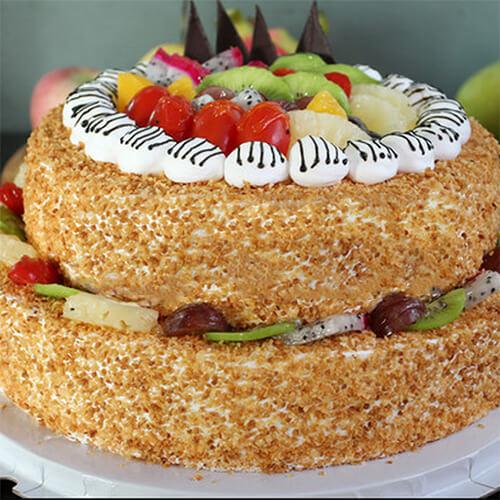 栗子彩糖裱花蛋糕
