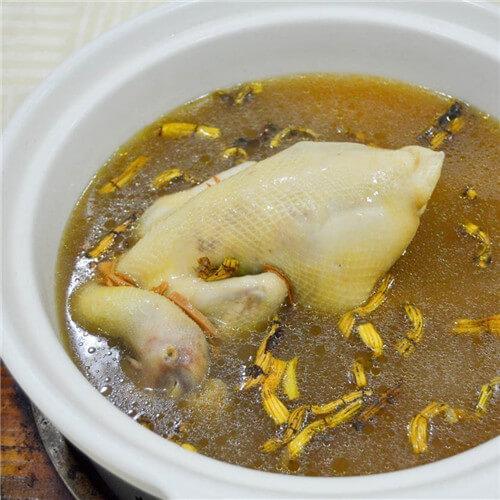 石斛老鸡养生汤
