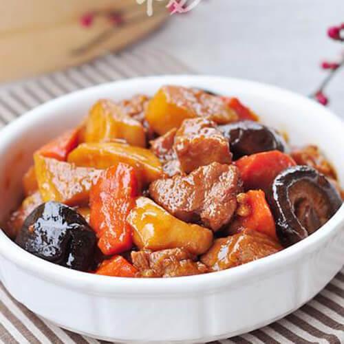 冬菇胡萝卜焖牛肉