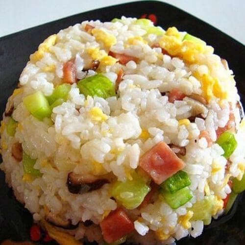 黄瓜鸡蛋炒糙米饭
