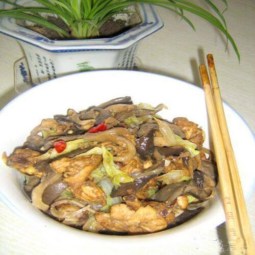 蘑菇辣炒鸡叉骨