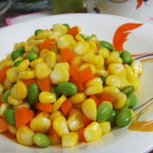 家常的素炒玉米三丁
