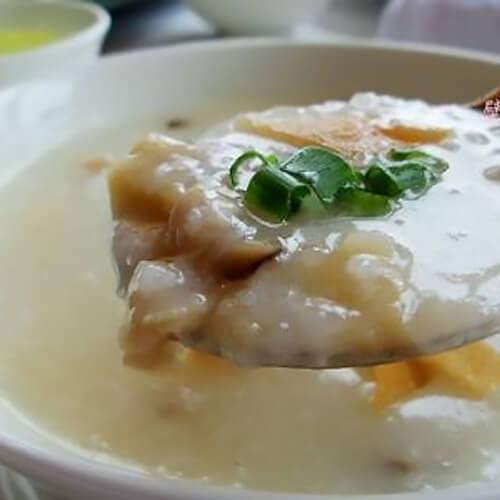 苋菜银鱼糙米粥