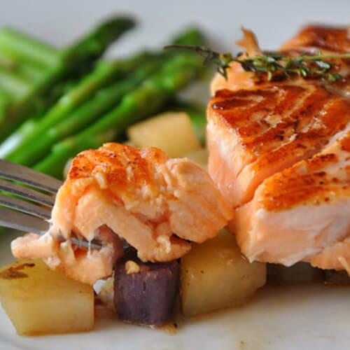 香煎三文鱼加蔬菜土豆