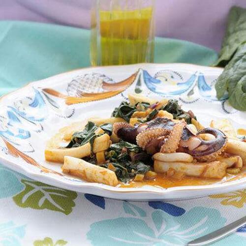 石锅牡蛎鱿鱼豆腐汤
