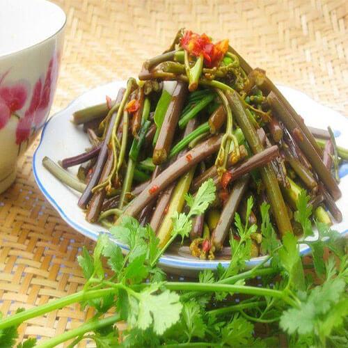 剁椒焖蕨菜