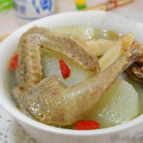 黄芪枸杞子煲鸽