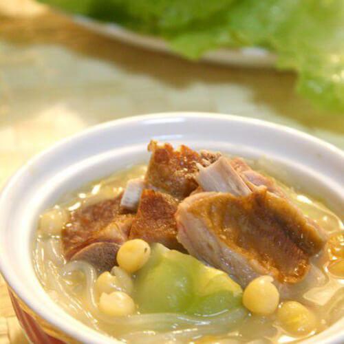 腊猪蹄炖儿菜