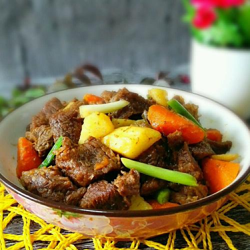 胡萝卜炖牛腱子肉