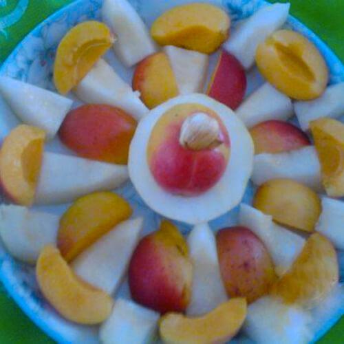 香瓜配杏子
