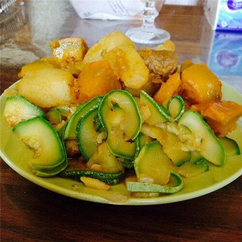 西葫芦土豆肉片