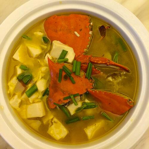 青蟹豆腐汤