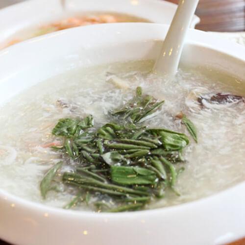 银鱼莼菜肉丝汤