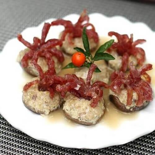 美味的腊肠鱼蓉酿鲜菇