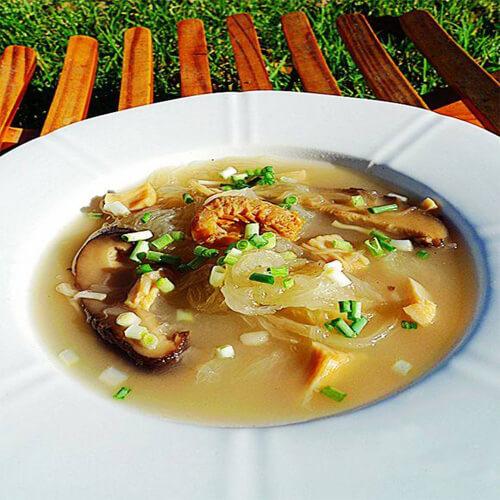 江瑶柱冬菇煲鱼翅瓜汤