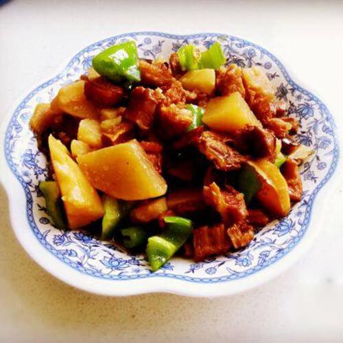 土豆炖牛肋条