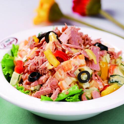 金枪鱼蔬果沙拉