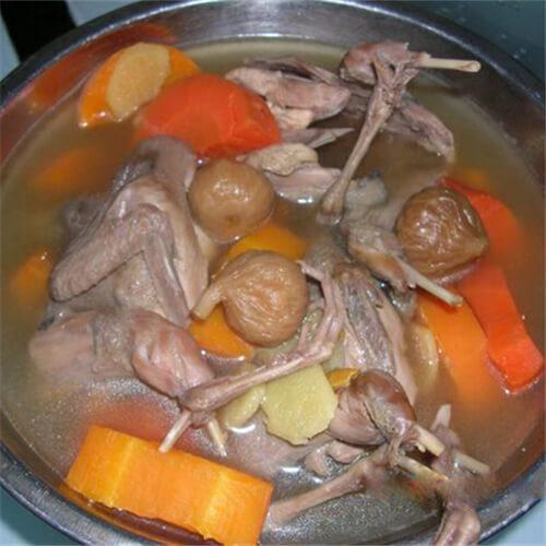 无花果胡萝卜鹌鹑汤