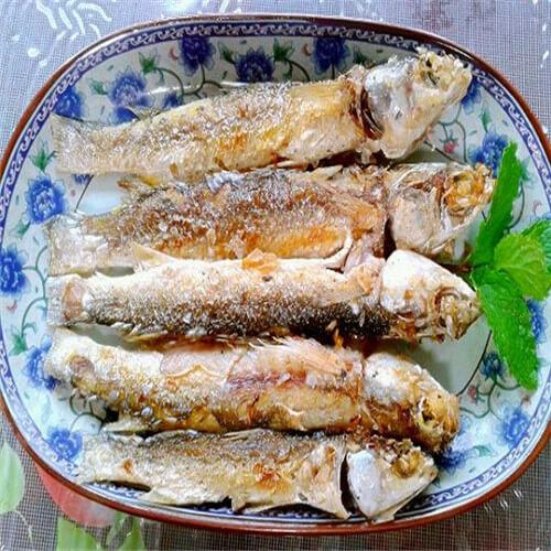 煎煮海鲫鱼